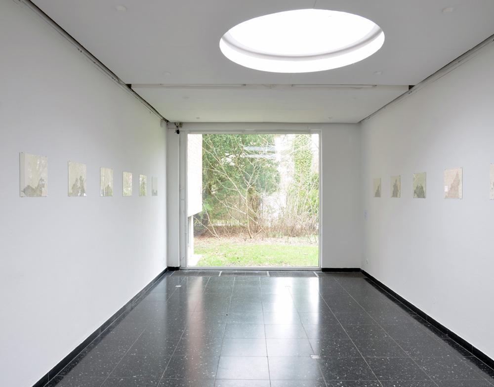 Ausstellungsansicht Natascha Kaßner, in: SCHAUfenster der Region. 63 Künstler zeigen ihre aktuellen Arbeiten, Kunsthalle Wilhelmshaven,12.02. - 09.04.2012, Foto © Axel Biewer